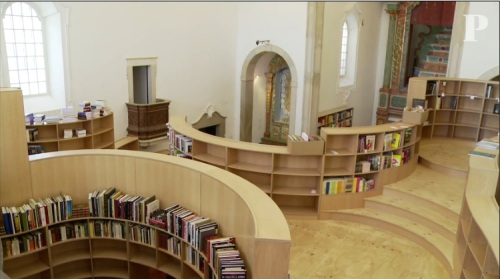 igreja vira livraria